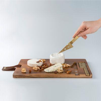 Osteskærebræt med osteknive