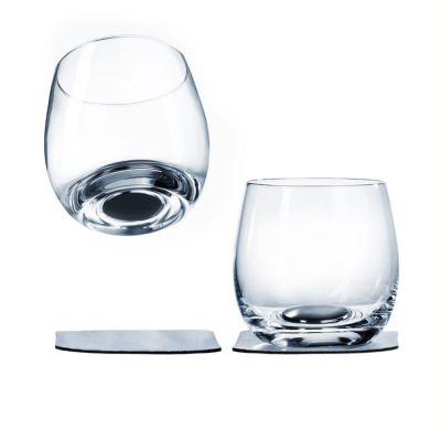 Magnetiske whiskyglas med gel-underlag