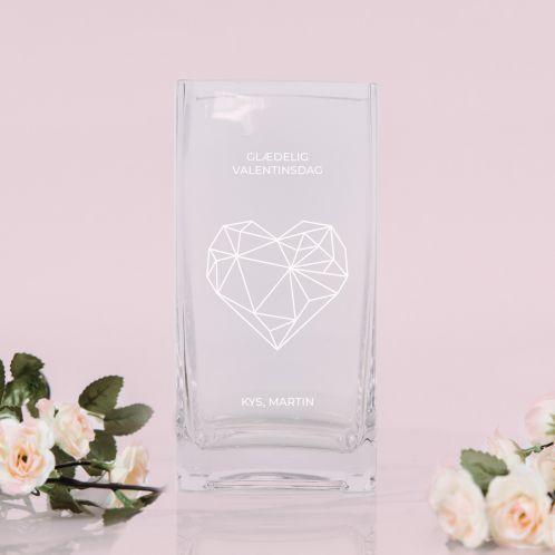 Vase med hjerte og tekst