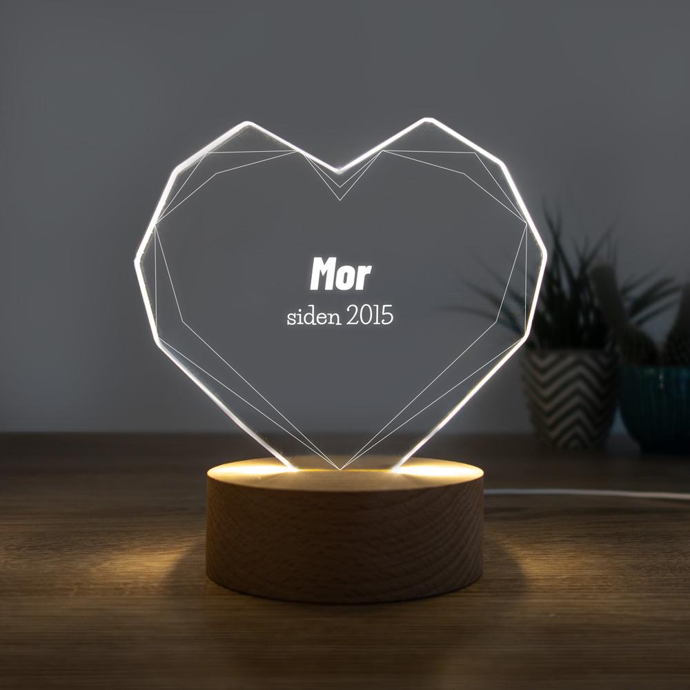 Gave til mor LED-lampe som hjerte