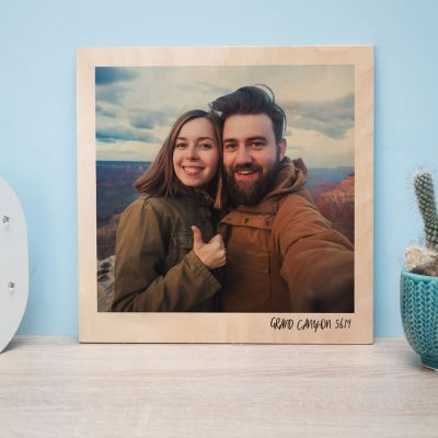Personaliseret træbillede i Polaroid look