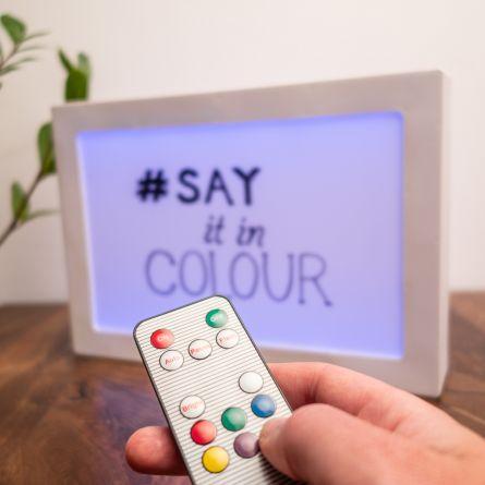 Personaliseret lyspanel med farveskift på begge sider