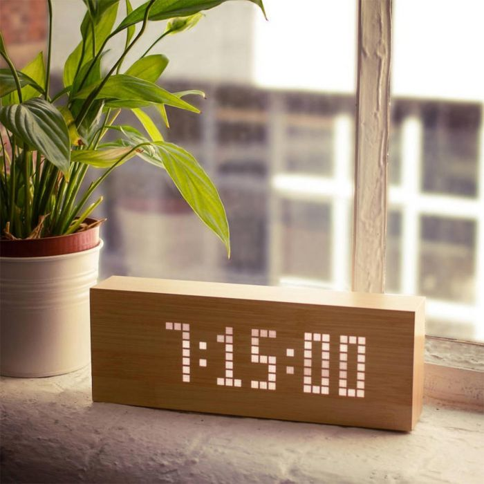 Click Message Clocks i træ med LED - Original