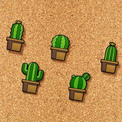Indflyttergaver - Sæt af kaktus knappenåle