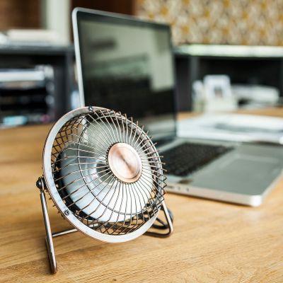 50 års fødselsdagsgave - USB-skrivebords-ventilator i bronze