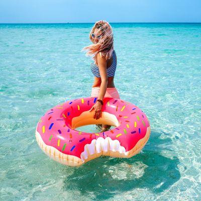 Strand & hav - Gigantisk Donut badering