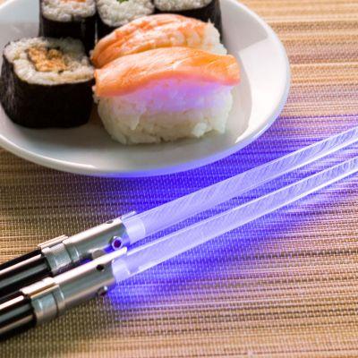 Gaver til par - Star Wars spisepinde som lyssværd