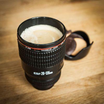 Sjov på kontoret - Kop Kameraobjektiv