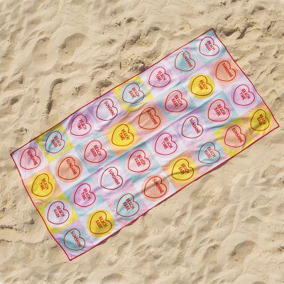 Udendørs - Love Hearts Badehåndklæde