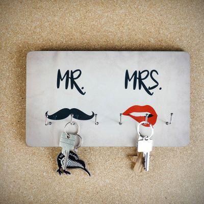 Eksklusive gaver i træ - Nøgleophæng Mr. & Mrs.