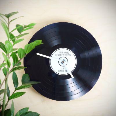 Gaver til bror - Personaliseret Vinyl Vægur