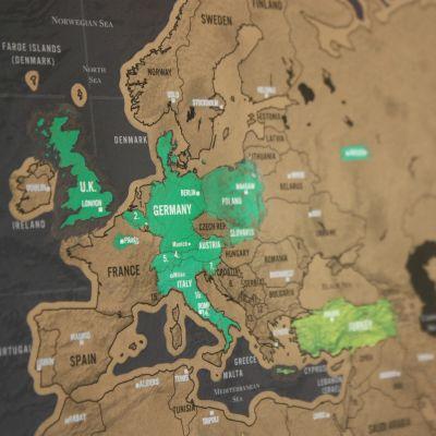 50 års fødselsdagsgave - Verdenskort Scratch Map Deluxe