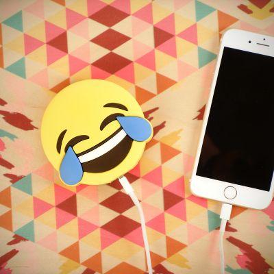 Gadgets til telefonen - Emoji Glædestårer Oplader til Smartphones